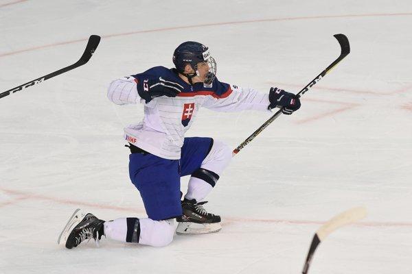 Mladý slovenský hokejista Adam Ružička.