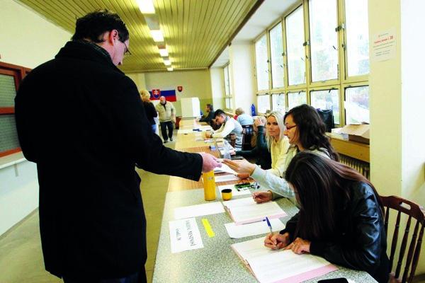 Komunálne voľby sa budú konať 10. novembra.