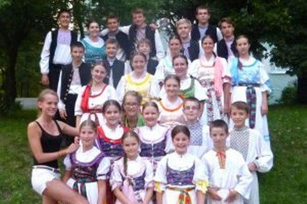 Detský folklórny súbor Kalužiar v Poľsku.