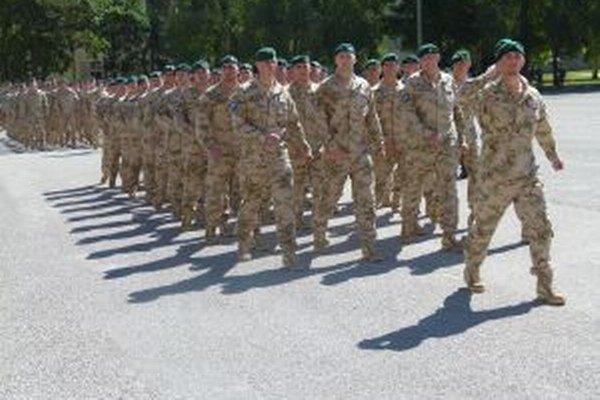Odvážni vojaci budú na misií v Afganistane polroka.