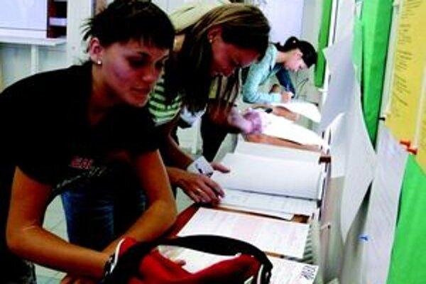 V Martine je bez práce 9,15, v Tepliciach 11,47 percent ľudí.