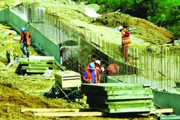 V roku 2012 by sa malo na turčianskych úsekoch D1 stavať naplno.