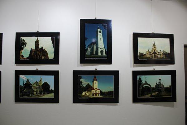 Vo Vlastivednom múzeu si môžete pozrieť unikátnu výstavu fotografií, ktoré zachytávajú vyše štyritisíc kostolov.