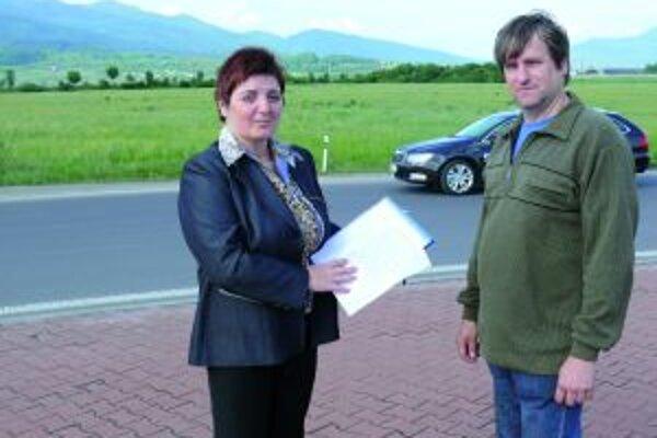 Dali sa na boj. Manželia Blšákovci, Tatiana a Dušan iniciovali petíciu proti výstavbe spaľovní v katastri Sučian. Jedna by teoreticky mohla vyrásť na pozemkoch za kruhovým objazdom pri priemyselnej zóne.