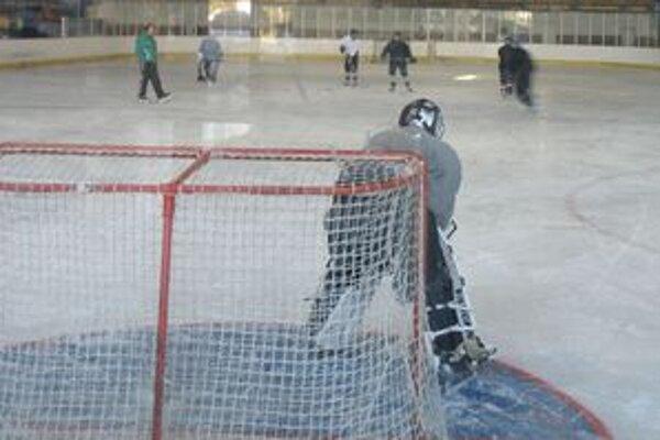 Dotáciu chce nájomca aj hokejový klub.