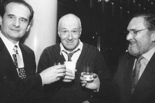 Traja riaditelia na jednom zasadnutí. Zľava P. Ková, I. Petrovický a V. Hriadel.
