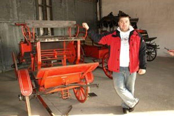 Ľubomír Vanko sa venuje renovácii hasičskej techniky.