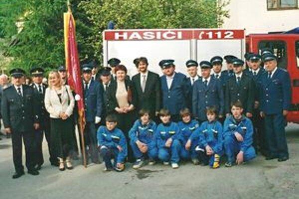 Návštevníci si môžu pozrieť ukážky z činnosti hasičských zborov z Jasenice a Považskej Bystrice. Budú spojené so slávnostným odovzdávaním ocenení členom Dobrovoľného hasičského zboru Jasenica.