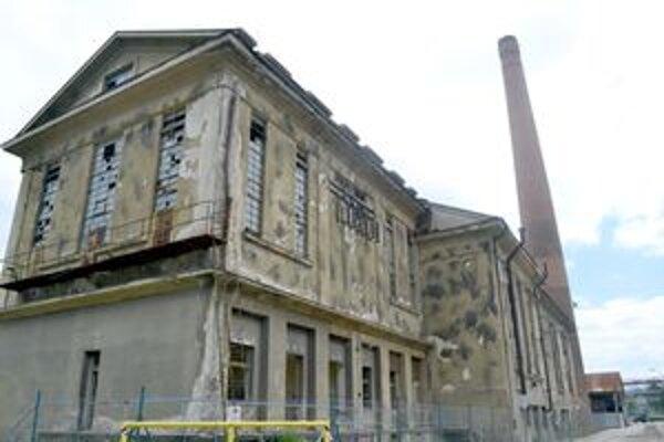 Miesta bývalých Považských strojární majú veľa zaujímavých zákutí.