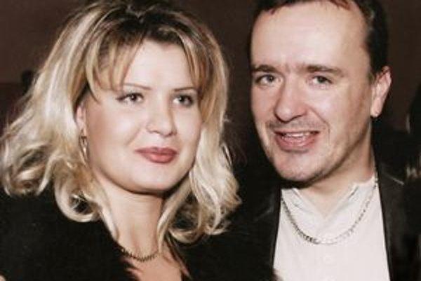 Silvia Klimentová najčastejšie vystupuje so svojím manželom Petrom.