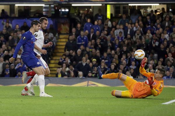 Tomáš Tujvel v zápase proti FC Chelsea.