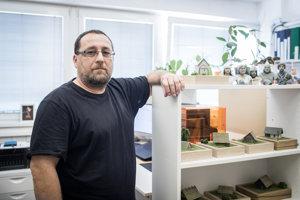 Anton Arpáš v 3D laboratóriu.