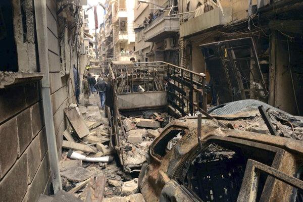 Sýrska armáda s ruskou podporou v týchto dňoch menia najväčšie mesto krajiny Aleppo na neobývateľné trosky.