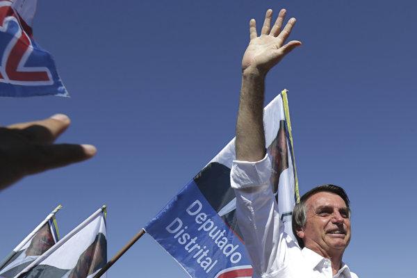 Bolsonaro má veľa skalných fanúšikov, no rovnako nahlas je počuť množstvo jeho odporcov.