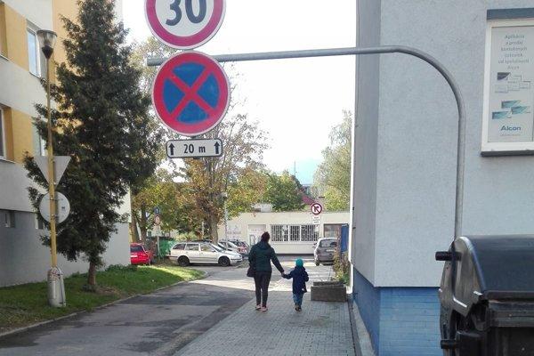 Chodník na Mudroňovej ulici v Martine po rekonštrukcii