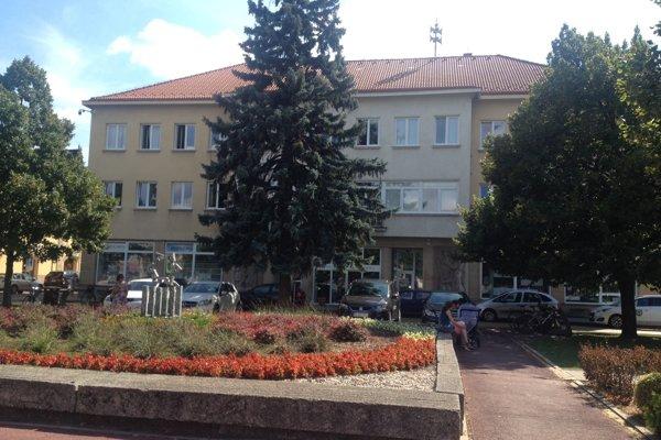 Novozámocká radnica.