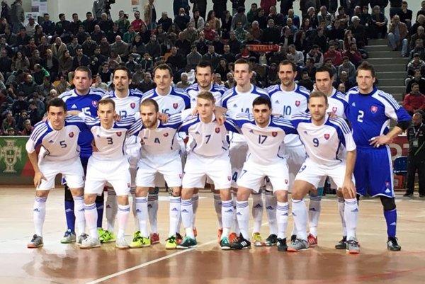 Futsalisti Slovenska počas prípravného zápasu s Portugalskom.