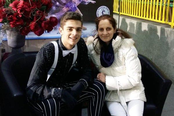 Junior Simon Fukas s trénerkou Zuzanou Drnzíkovou.