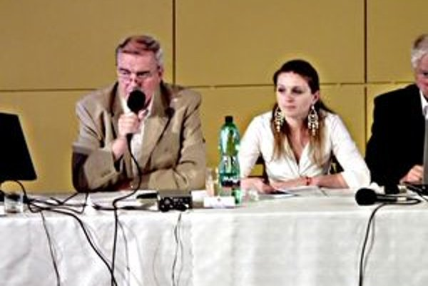 O protestoch informovala zástupkyňa prokuratúry Jana Hudecová.