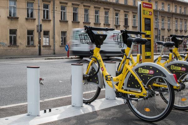 Bikesharing je k dispozícii v štyroch mestských častiach, v Starom Meste, Novom Meste, Ružinove a v Petržalke.