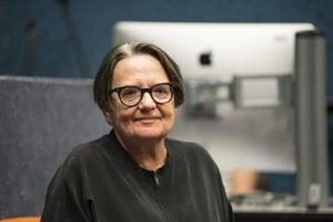 Agnieszka Holland v súčasnosti dokončuje dva projekty: film o novinárovi Gareth Jones a nový seriál pre Netflix 1983.