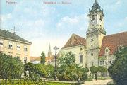 Stará radnica na Hlavnom námestí v roku 1905