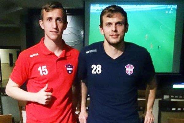 Damián Bariš (vľavo) a Fabián Slančík na sústredení FC ViOn v Turecku.