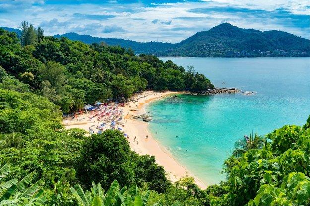 Phuket poteší sviežimi plážami.