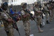 Saudská Arábia sa vzdušnými útokmi snaží podporiť autoritárskeho jemenského prezidenta.