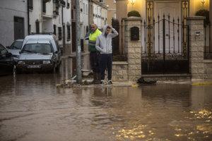 Výdatné dažde spôsobili záplavy.