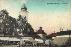 Kostol sv. Mikuláša a jarmok na námestí.