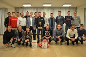 Víťazné mužstvo z Baškoviec.