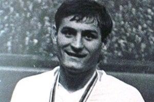 Vladimír Weiss s olympijskou medailou.