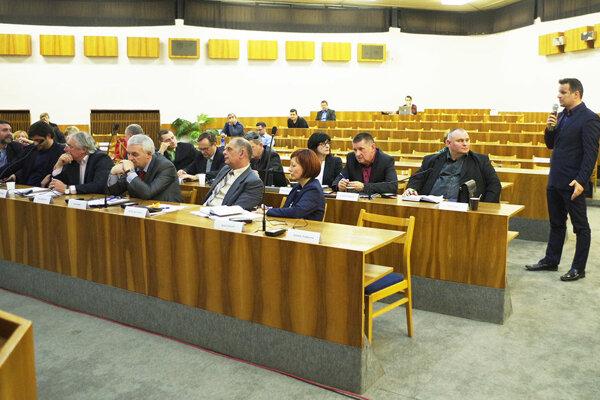 Zámer prišiel na zasadnutie zastupiteľstva ozrejmiť aj zástupca spoločnosti Marek Nikel.
