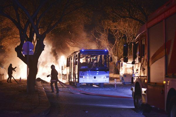 K výbuchu došlo vo vládnej štvrti Ankary.