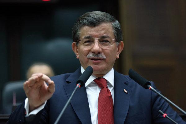 Premiér Ahmet Davutoglu.