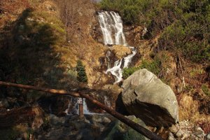 Vodopád patrí k najkrajším častiam doliny.