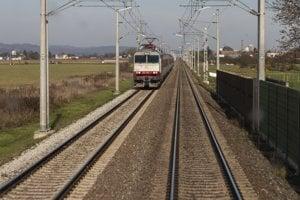 Človek na trati vždy značí stres pre rušňovodiča.