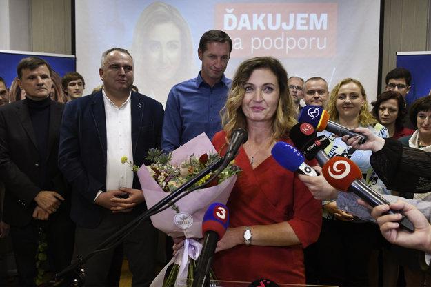 Kandidátka na primátorku mesta Prešov  Andrea Turčanová reaguje na priebežné výsledky volieb.