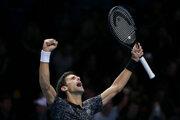 Novak Djokovič po víťazstve nad Johnom Isnerom na Turnaji majstrov v Londýne.