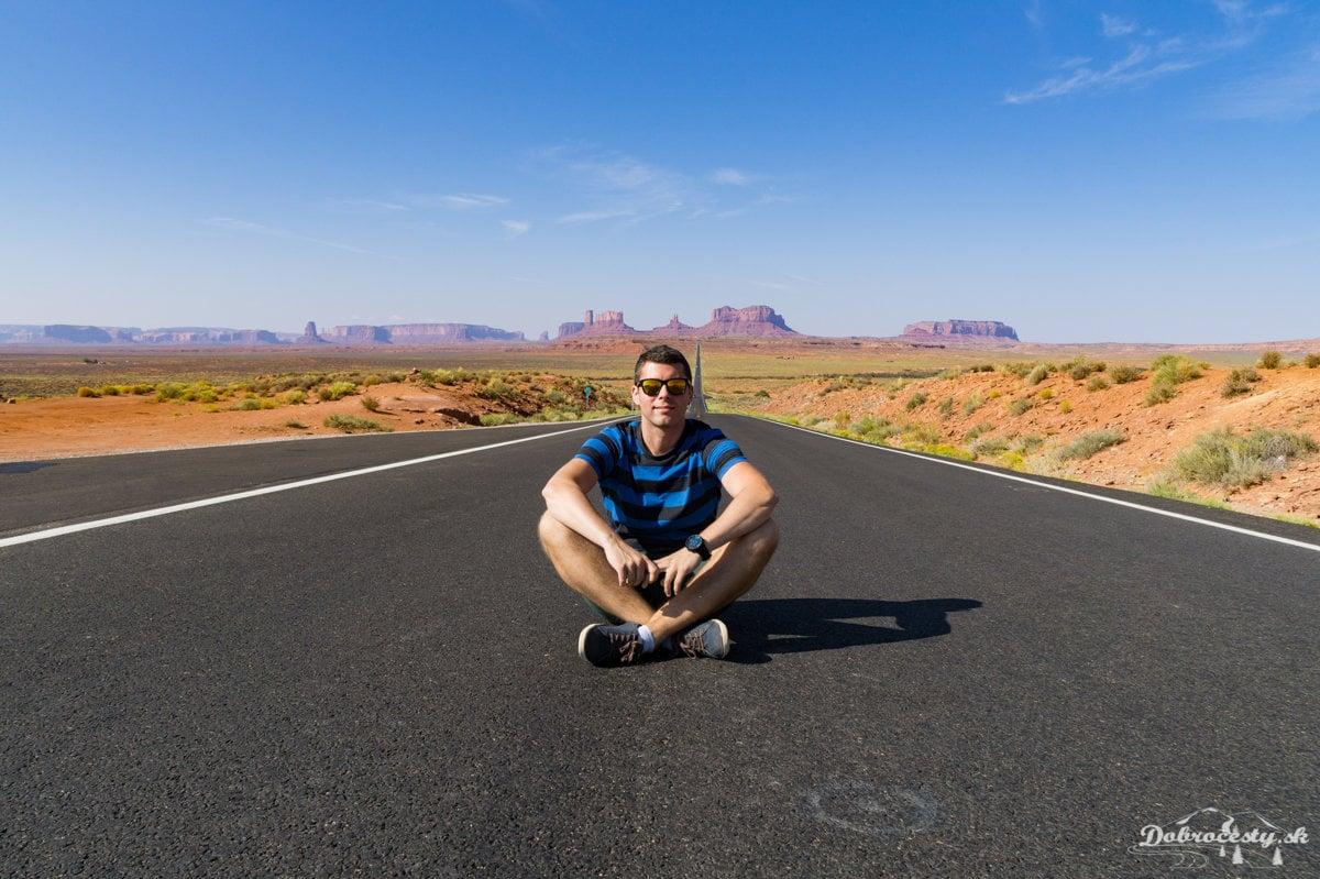 f2a6b42f95346 Navštívil i región Monument Valley, ktorý je charakteristický množstvom