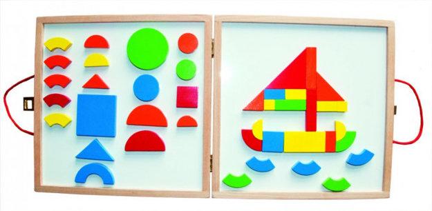 WOODY Magnetický kreatívny kufrík s tvarmi.