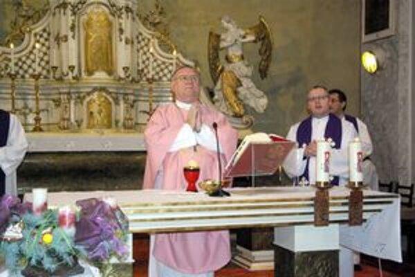 Biskup Gális v pruštianskom kostole.