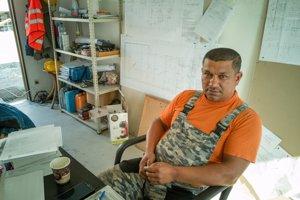 Ján Mirga má už vyše 10 rokov stavebnú firmu.