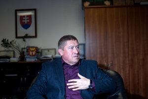 Zverejňovanie súdnych rozhodnutí kritizuje najmä Úrad špeciálnej prokuratúry pod vedením Dušana Kováčika.
