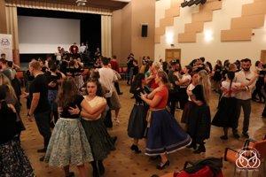 O školy ľudového tanca je veľký záujem.