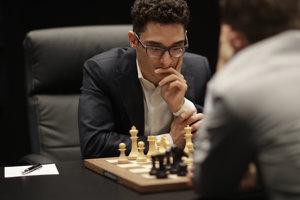 Fabiano Caruana a oproti nemu Magnus Carlsen.