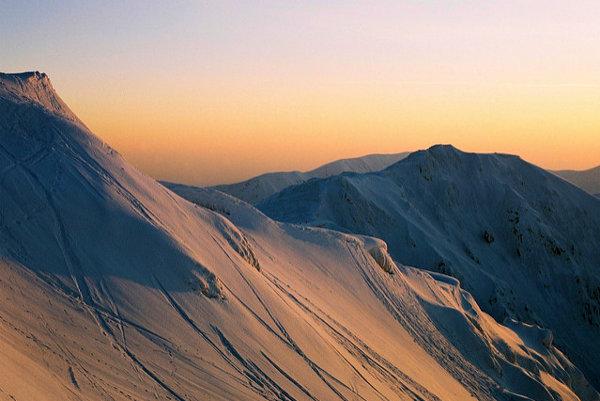 Nízke Tatry lákajú aj vhodnými terénmi pre freeride.