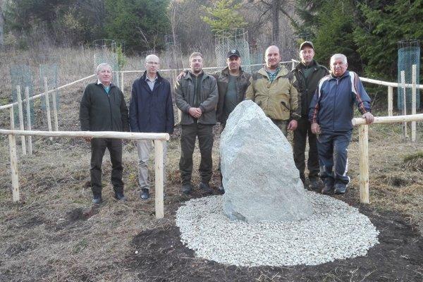 Členovia výboru a dozornej rady Urbárskeho pozemkového spoločenstva Likavka sa hrdo hlásia k bývalému Československu.