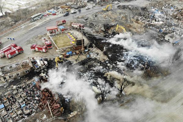 Výbuch zničil viacero budov.